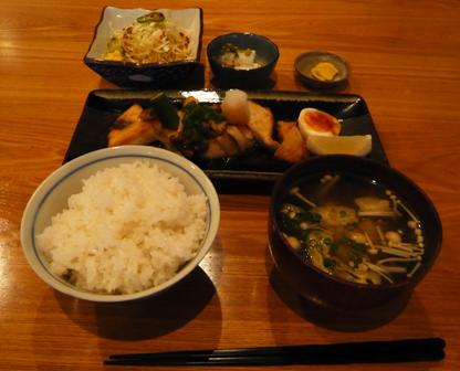 Natu yuki:メカジキバター焼き定食