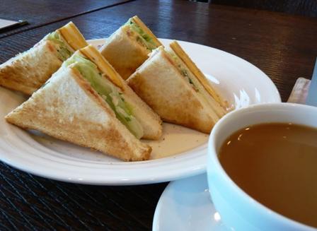 バレカランヒル:焼きサンドイッチ2
