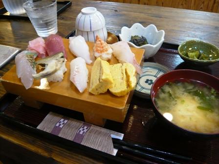 味屋じんべい:寿司定食1