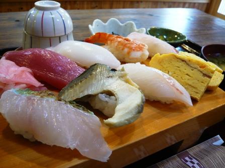 味屋じんべい:寿司定食2