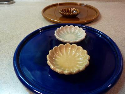 瑠璃色のお皿