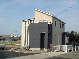 ●初公開!!主婦目線のオシャレな家が・・・駅から徒歩8分!