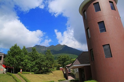s-ガンジーファームと山