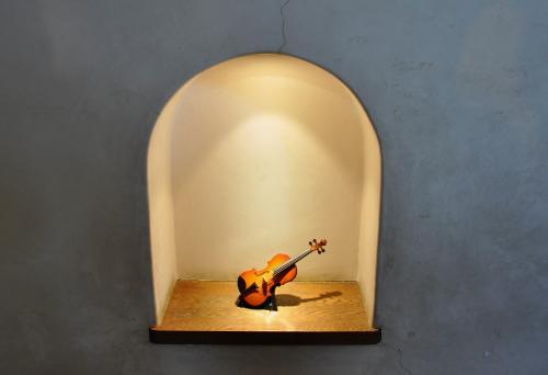 バイオリンの置物