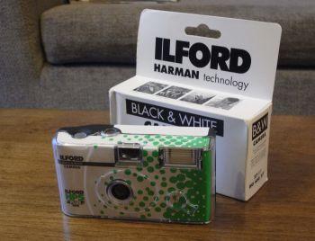 白黒使い捨てカメラ