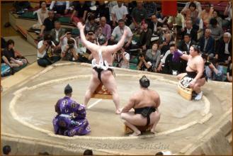 20130523 横綱土俵入り 2 お相撲