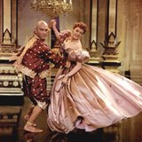 映画「王様と私 」デボラ・カーとユル・ブリナー(左 )