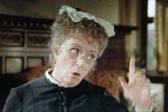 グロース夫人Thora Hird