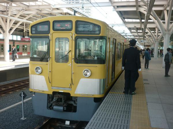 2014-10-25 西武2073F 各停保谷行き2 5715レ