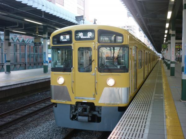 2014-01-11 西武2083F 各停池袋行き3