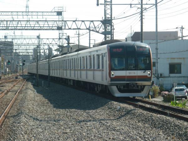2014-11-03 メトロ10136F 各停入間市行き
