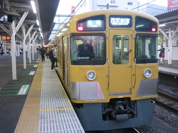 2014-11-14 西武2083F 各停西武新宿行き 5832レ