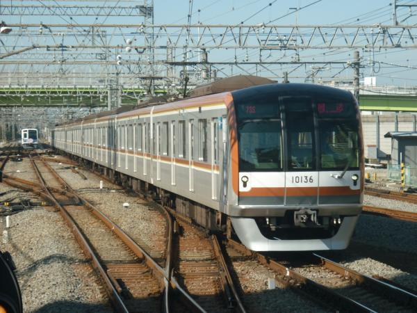 2014-11-22 メトロ10136F 回送1