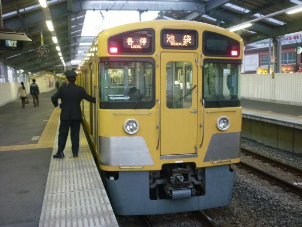 2014-11-22 西武2073F 各停池袋行き 5490レ