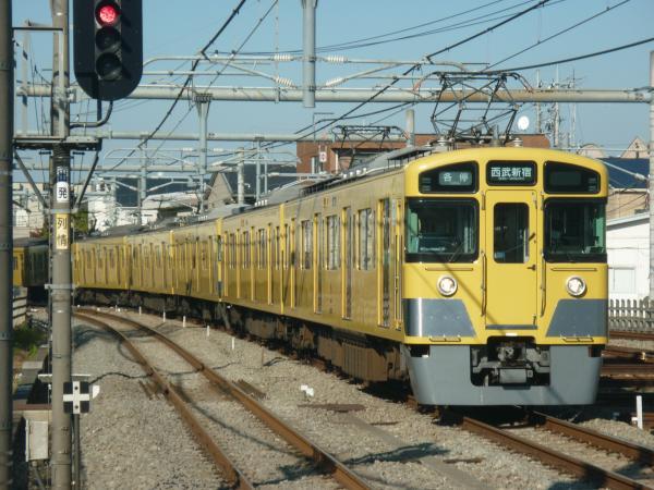 2014-11-23 西武2455F+2015F 各停西武新宿行き 5826レ
