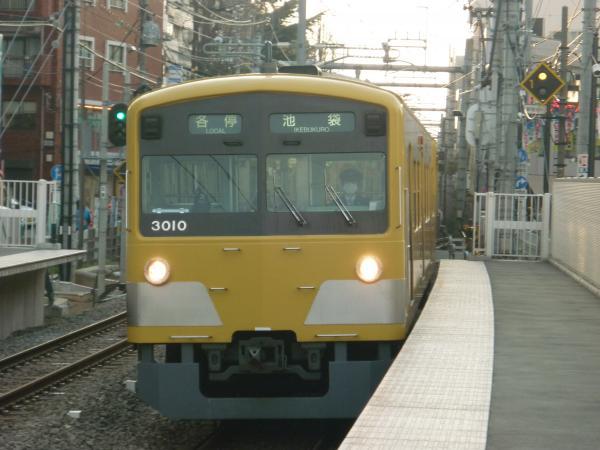 2014-03-29 西武3009F 各停池袋行き 5496レ