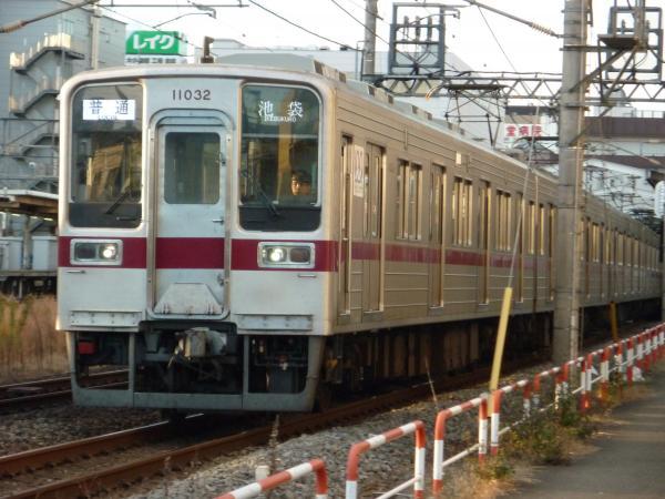 2014-12-06 東武11032F 普通池袋行き