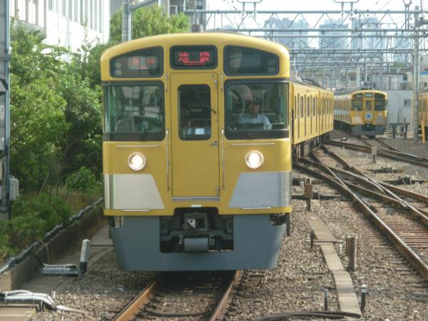 2014-05-18 西武2073F 各停池袋行き 5482レ