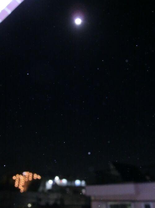 月とオーブ3