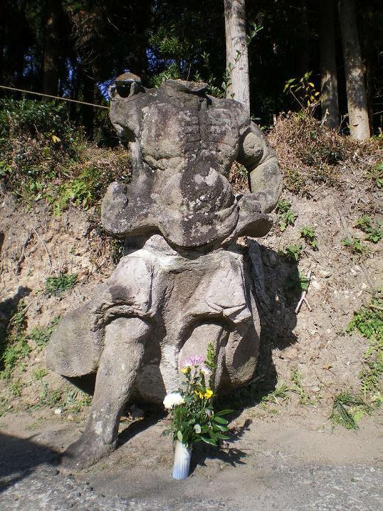 園林寺の首なし像70
