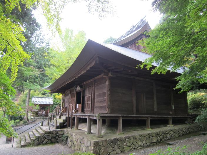 篠山大国寺本堂横