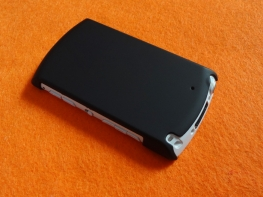 WALKMAN NW-A860用カバーを購入しました。