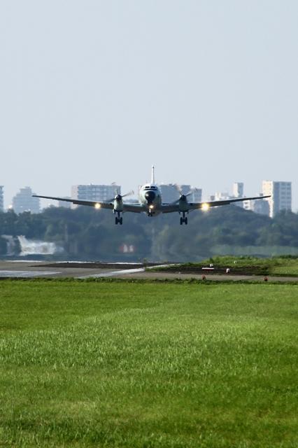 YS-11(離着陸訓練 タッチアンドゴー)