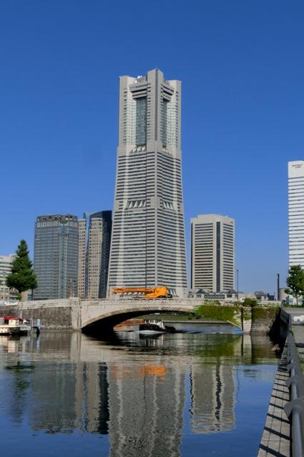万国橋と横浜ランドマークタワー