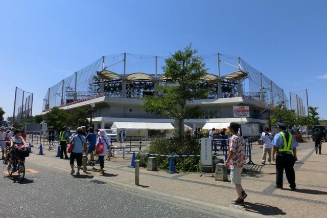 熱狂のライブ会場(茅ヶ崎公園野球場)