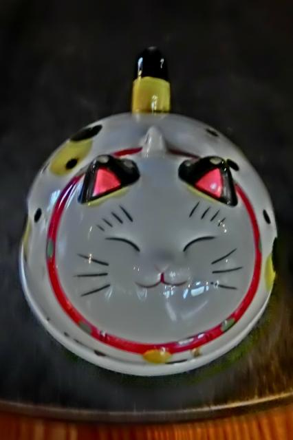 猫の蚊やり器