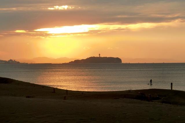 早朝の江の島
