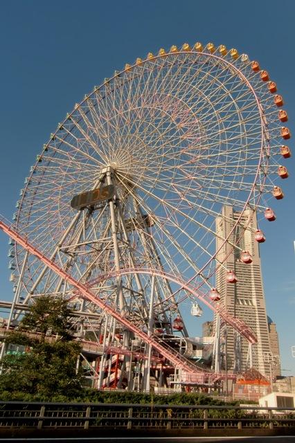秋晴れの横浜コスモクロック