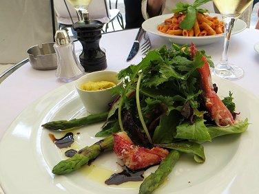 パリのマドレーヌ近くシーフードがおいしいカフェ Le VillageのランチREVdownsize