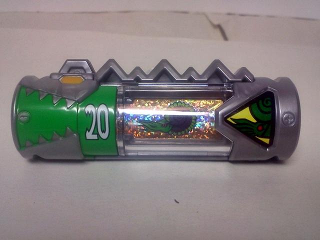 ガーディアンズの獣電池 2002