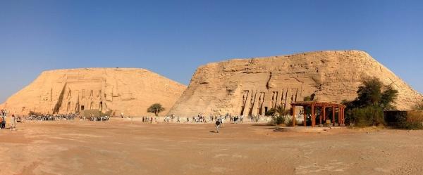 Panorama_Abu_Simbel_crop.jpg