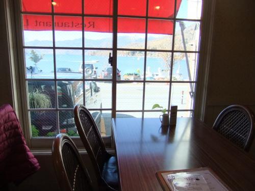 窓から中禅寺湖DSCF4075