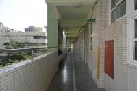 台湾小学校の廊下131207