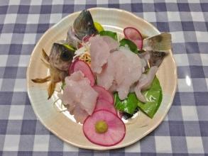 手前:クロメバルお刺身~この日は太ったベラもたくさん釣れました♪2014.11.08