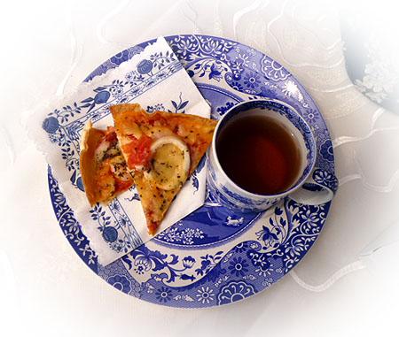 シ-フ-ドトマトバジルピザ