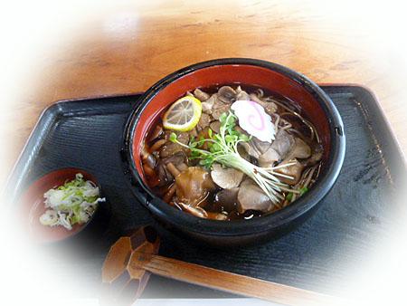 キノコ風味蕎麦