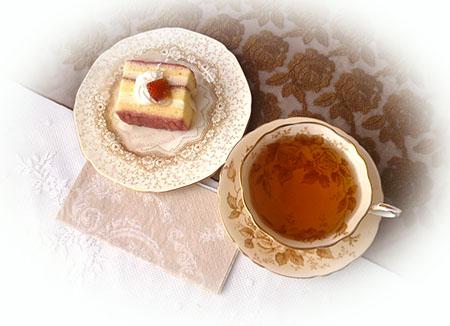 ホワイトチョコ&ラズベリ-のケ-キ・ニルギリ