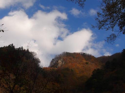 20131116・中津川空2-03・仏石山遊歩道