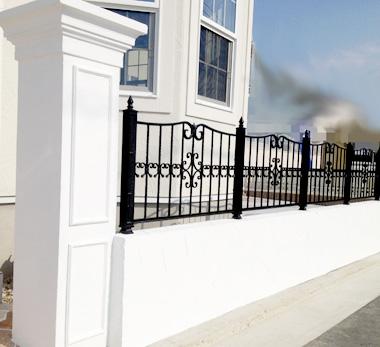 真っ白の門柱&壁
