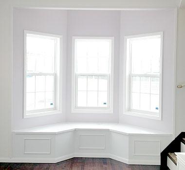 ベンチ収納付き出窓