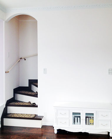 R形状のリビング階段