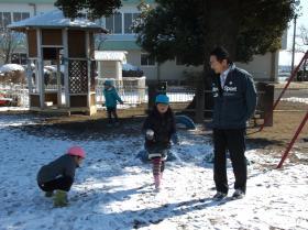 132-2雪遊び