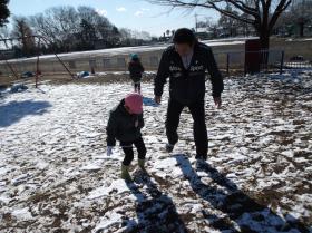 132-5雪遊び
