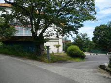 旧東部小学校入口