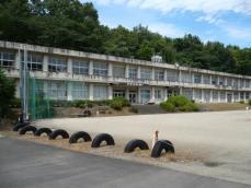 旧東部小学校