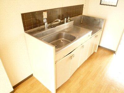 メーゾンロゼットB101 キッチン (2)